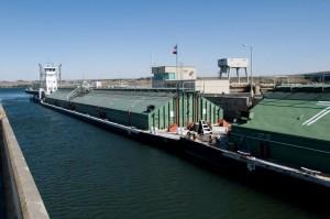 Grain barge 3